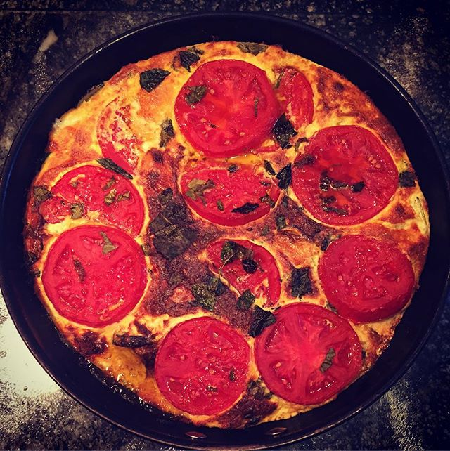 Made an Italian vegetable fritatta with mum last night after a day on the farm. Made with superfoods organic free range eggs, onions, zucchini, mint, basil and vine ripened tomatoes. Delicious. Full recipe on blog.
