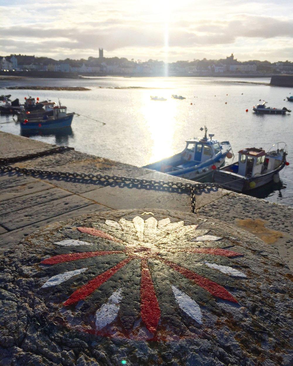 sunset_compass_painted_pillar_Donaghadee_town_harbour_pier_ni_explorer_niexplorer