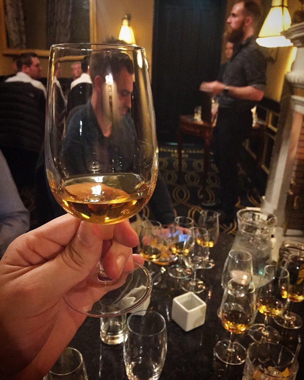 straight_serve_whiskey_powers_irish_whiskey_merchant_hotel_belfast_ni_explorer_niexplorer.jpg