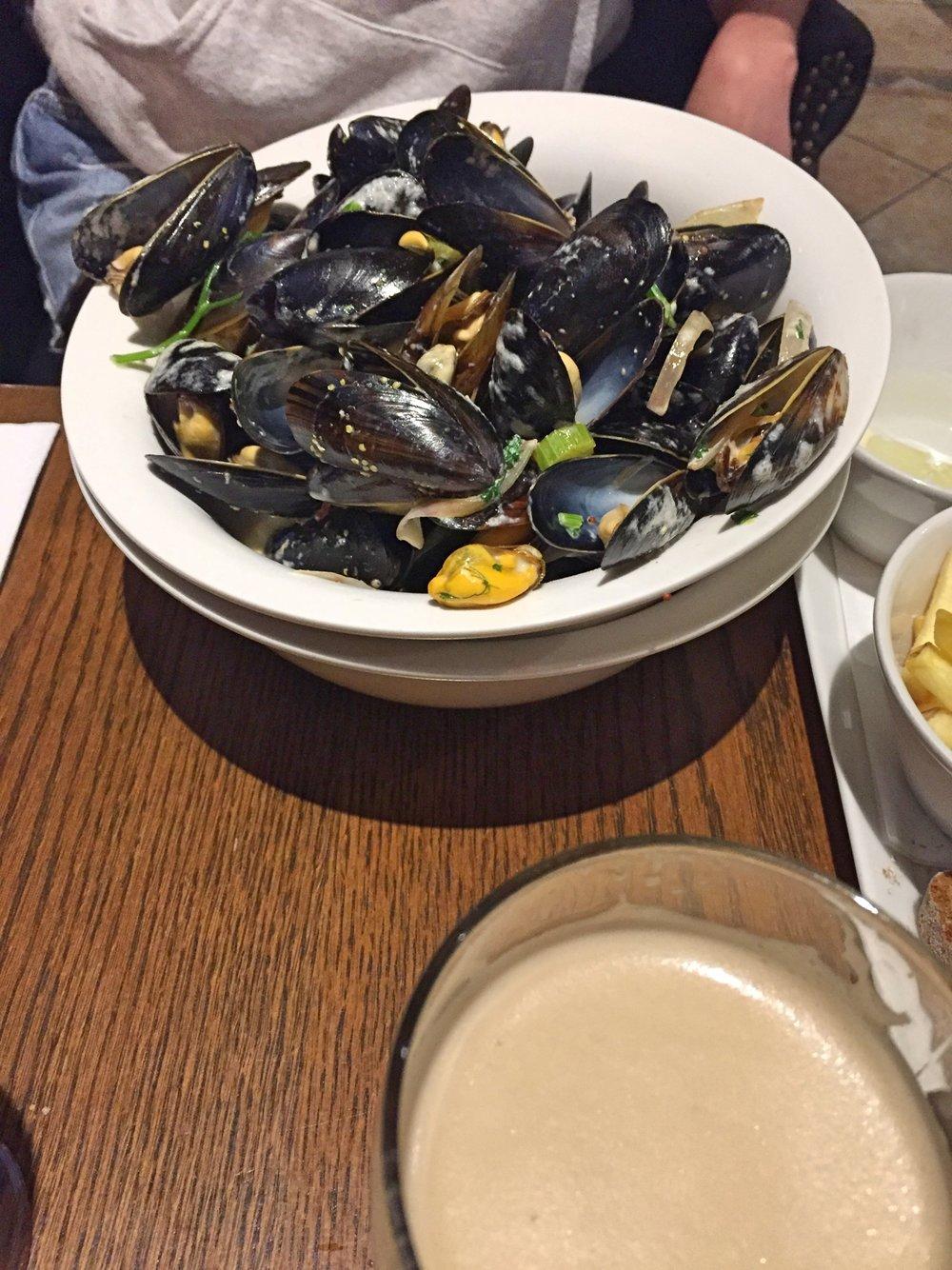 fullerton_arms_pub_guesthouse_menu_ballintoy_northern_ireland_niexplorer_ni_explorer (5).jpg