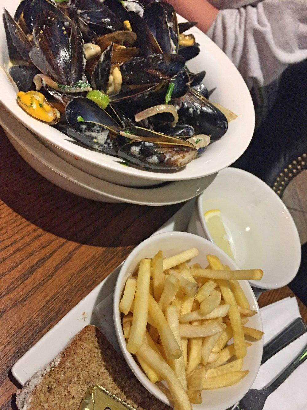 fullerton_arms_pub_guesthouse_menu_ballintoy_northern_ireland_niexplorer_ni_explorer (7).jpg