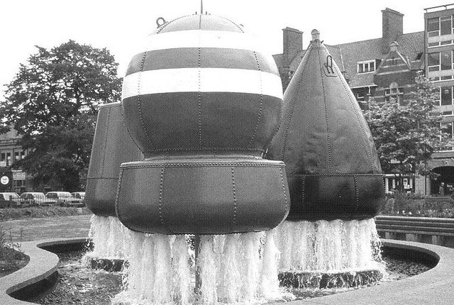 Belfast Buoys with fountain, July 1983 - Source  Geograph.ie