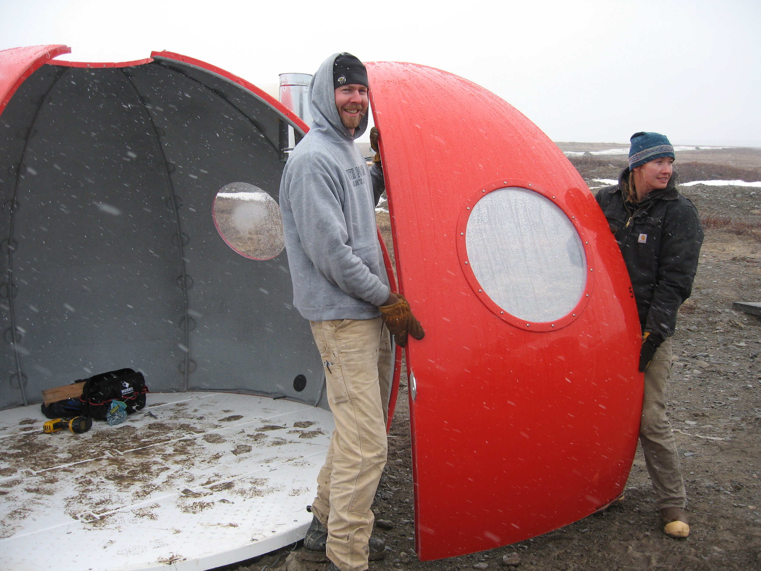 Back at Toolik Field Station, Erik Lund and Annalisa Neely take the Igloo apart.