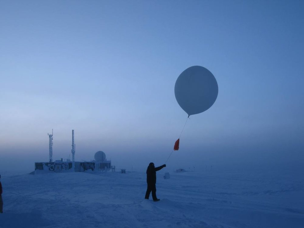 glenn-launching-balloon_small.jpg