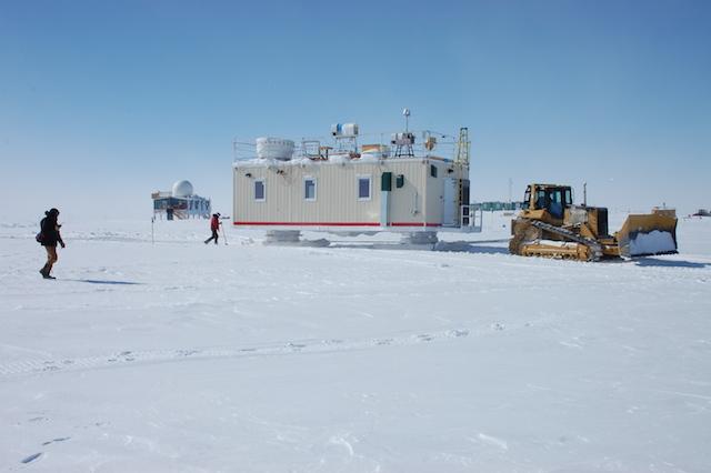 Half-way through the loop, Summit Station is visible in the distance. Photo: Von Walden