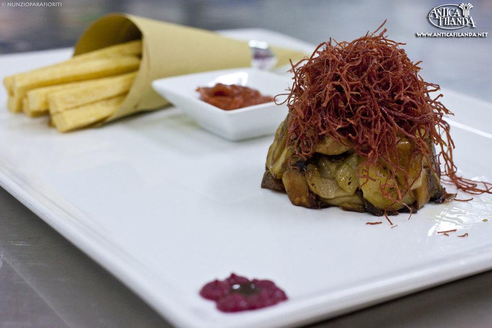 funghi e patate con sfilacci e panella.jpg