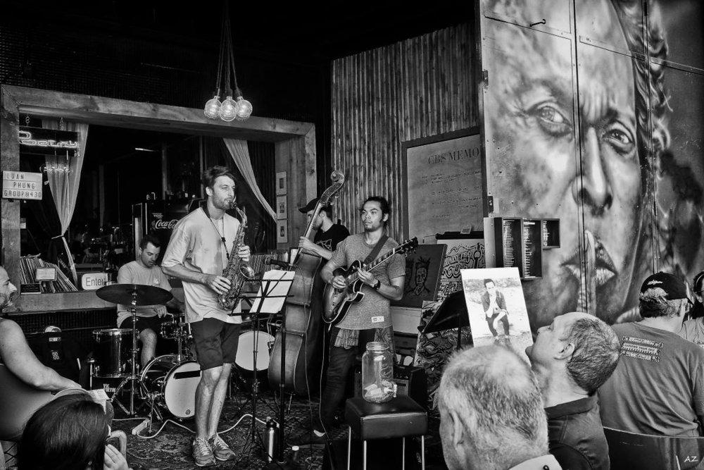 Jazz ensemble in Kensington Market - Toronto ONTARIO