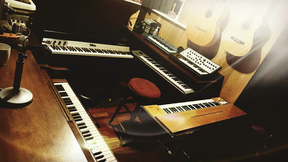 keyboard station.jpg