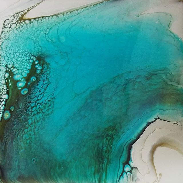 "12""×12"" #fluidacrylic #abstractpainting. I am absolutely loving @goldenpaints #teal #blue. It has been a go-to favorite for the past three years and I don't see that changing any time soon!! . . . . . . . . #fluidacrylic #fluidpainting #abstract #abstractpainting #abstractart #acrylicpouring #acrylicpour #fuildart #devinschuylerart #dschuylerart"