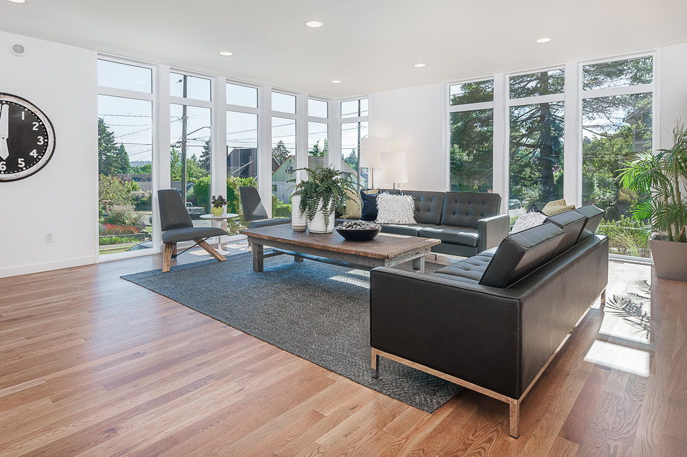 Hawthorne Hills Modern Home Living Room