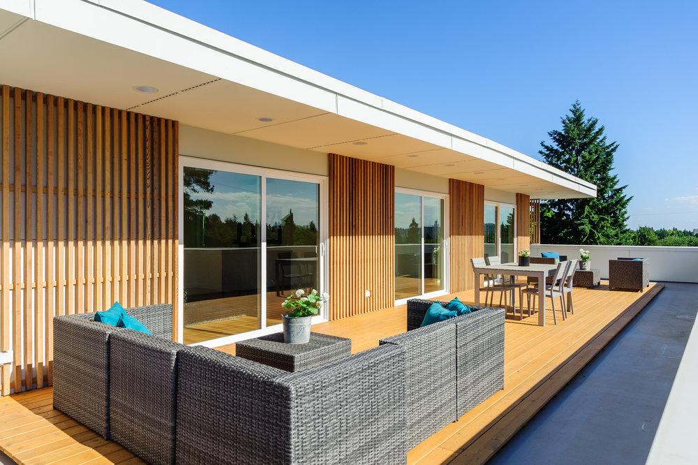 Hawthorne Hills Modern House third floor deck