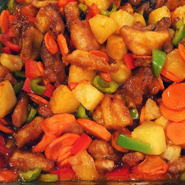 Sweet and Sour Chicken . . . . . #liveauthentic #foodbeast #eeeeeats #eatfamous #feedfeed #dailyfoodfeed #onthetable #lifeandthyme #f52grams #tastingtable #huffposttaste #heresmyfood #buzzfeast #eattheworld #eater #rslove #foodandwine #foodblogfeed #beautifulcuisines #tastemade #dinner #delicious #sweetandsour #chicken #chinese #yummy #letsbakestuff #food #yum