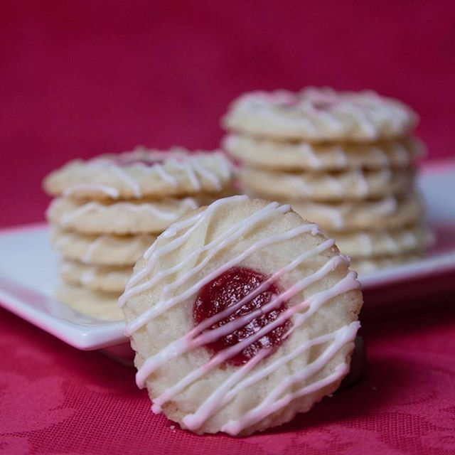 Raspberry Almond Thumbprint Cookies . . . . . #liveauthentic #foodbeast #eeeeeats #eatfamous #feedfeed #dailyfoodfeed #onthetable #lifeandthyme #f52grams #tastingtable #huffposttaste #heresmyfood #buzzfeast #eattheworld #eater #rslove #foodandwine #foodblogfeed #beautifulcuisines #tastemade #yum #homemade #cookie #cookies #thumbprint #raspberry #tasty #dessert #foodporn #baking