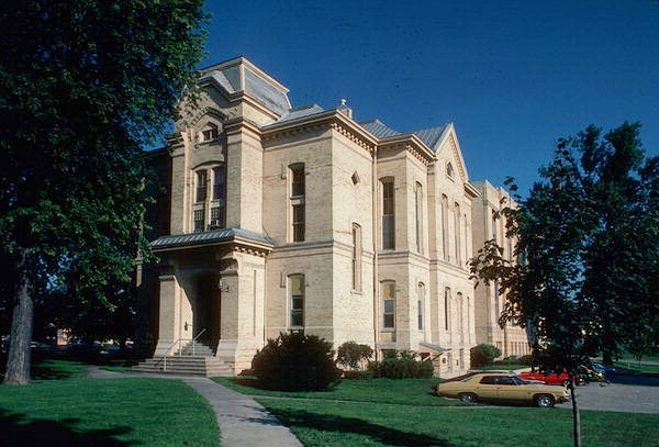 On this day in 1982, the Dodge County Courthouse was placed on the National Register of Historic Places. Learn more: https://www.wisconsinhistory.org/Records/NationalRegister/NR103 ——— #WTHP #historicplaces #nationalregister #preservation #historic #historicbuildings #nationaltrust #wisconsin #architecture