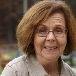 SUE CASTLEN    -  Women's Ministry