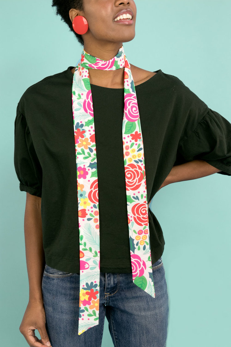 Nuno_SkinnyScarf_Flora_2.jpg