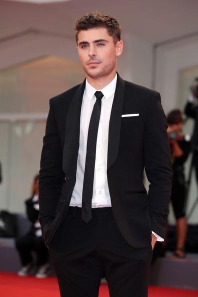 0044_Zac Efron Stars Any Price Premiere Venice ZNZo2n8X5BVl.jpg