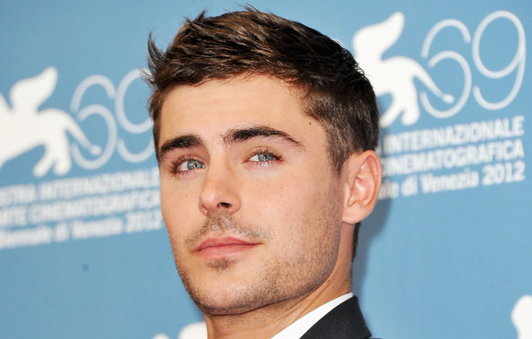 0045_Zac Efron Any Price Photocall 69th Venice -e6xT55allnl.jpg