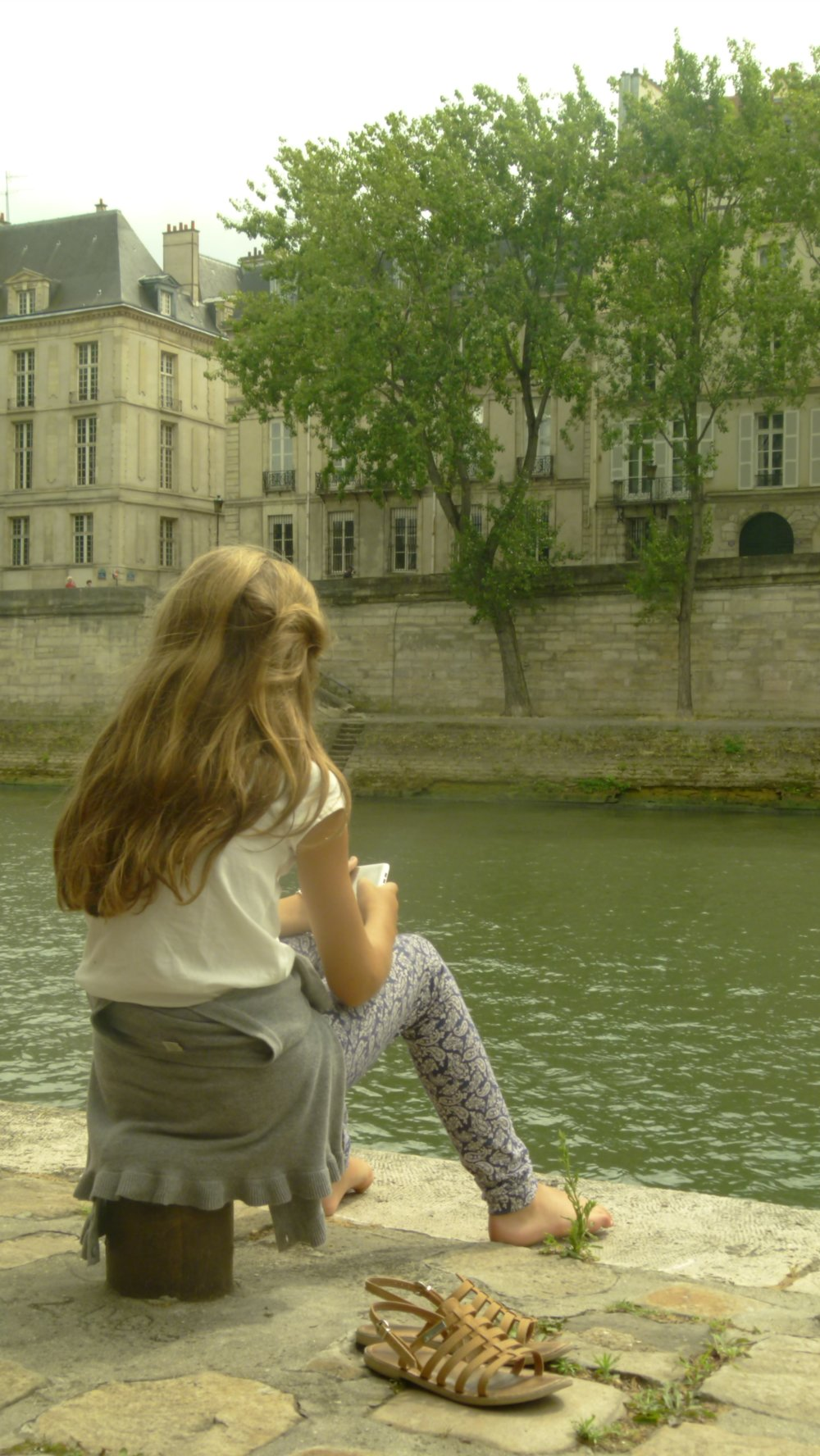 by the banks of the Seine