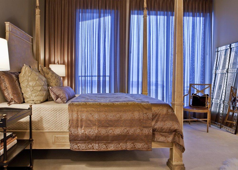 Plan E master bed.jpg