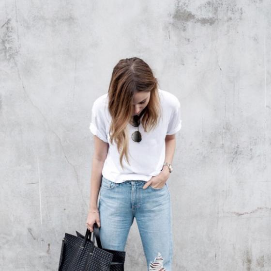 Jess styles The Fifth Label Sleepwalker T-Shirt.