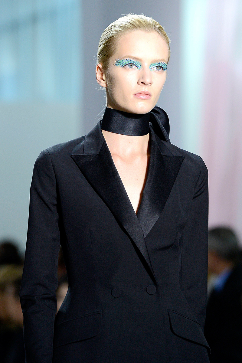 man-repeller-evolution-of-trends-dior-choker1