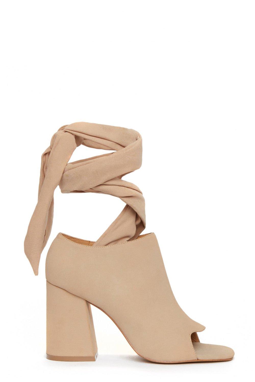Shop the JAGGAR FOOTWEAR Bowline Heel.