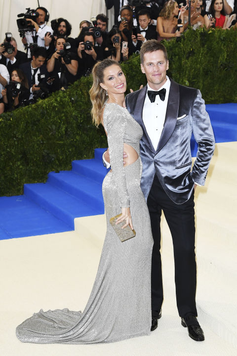 Gisele Bundchen + Tom Brady.