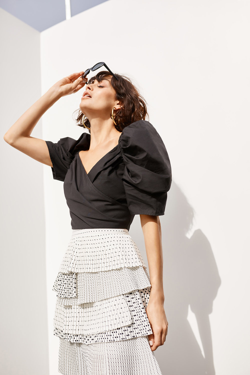 Shop  C/MEO Lift Me S/S Top  + Fundament Skirt (coming soon).
