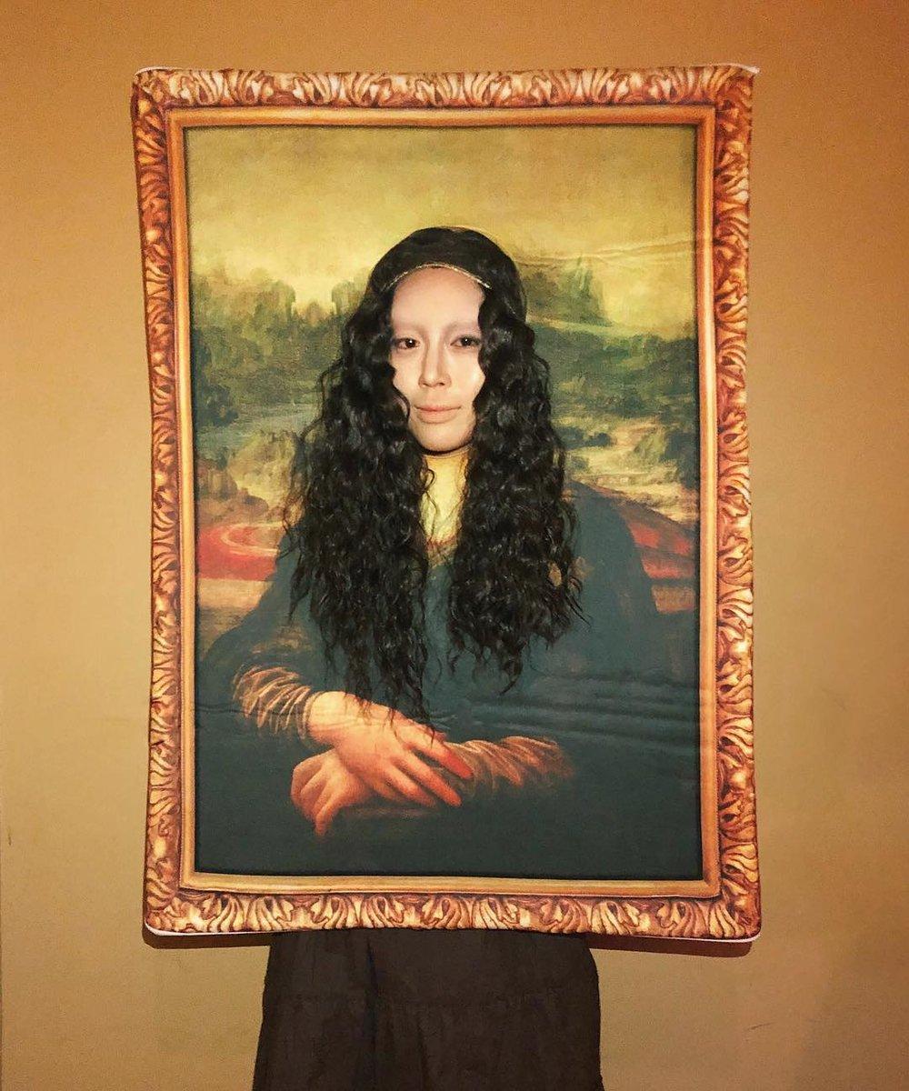 Aimee Song as the Mona Lisa // via instagram.com/songofstyle