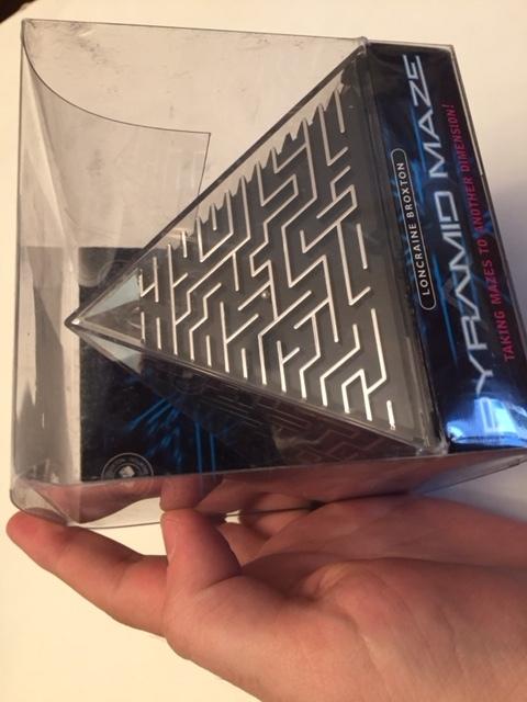 $8-Pyramid Maze