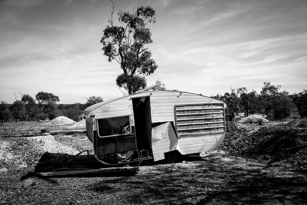 Caravan, Lightning Ridge [LR27]