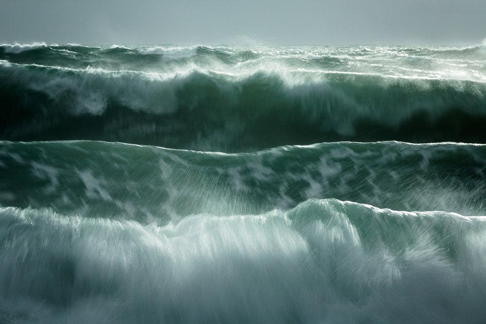 Waves, Angourie [YAM07]
