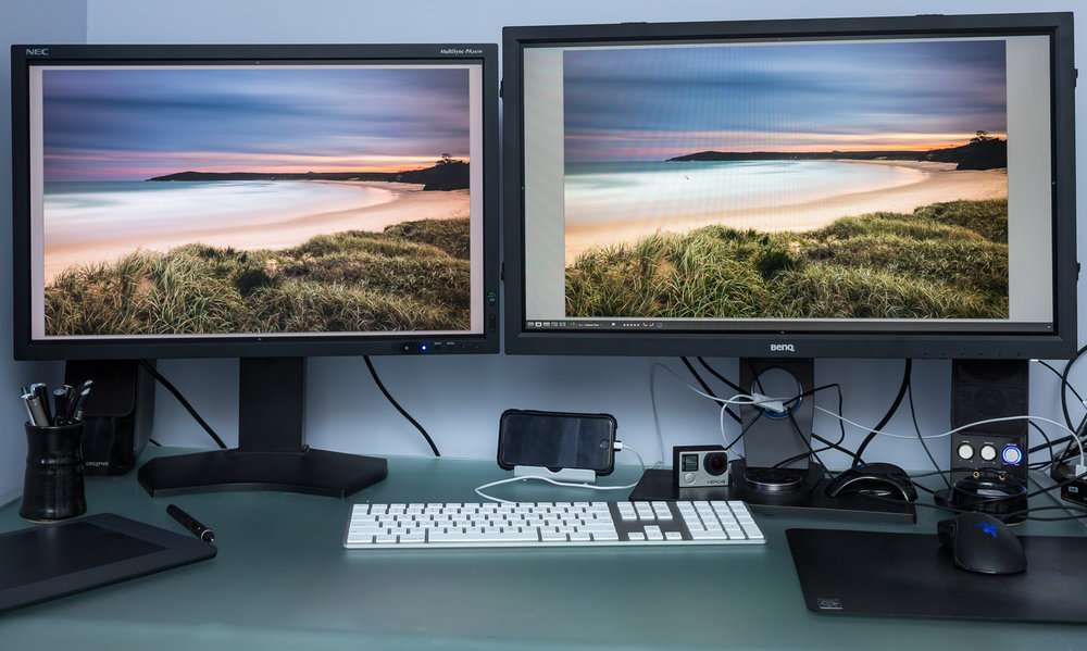 Figure 1: NEC on the left, BenQ on the right. Try to ignore the colour differences, a photo of a photo on a screen rarely looks as it should in real life!