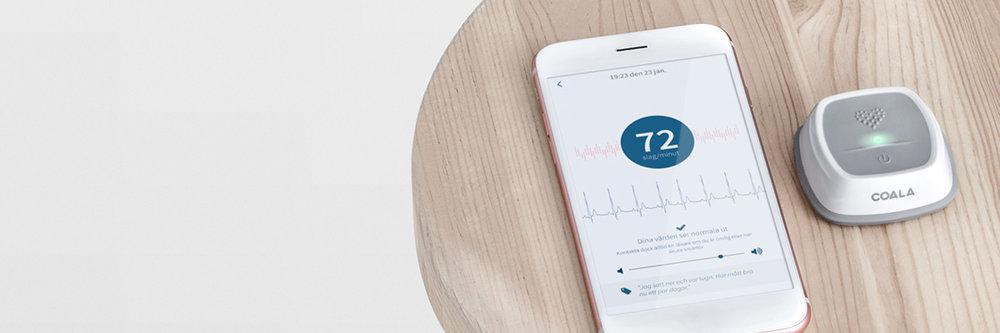 Så fungerar Coala Heart Monitor Coala Heart Monitor hjälper människor att själva regelbundet kunna följa sitt hjärta, en trygghetstjänst baserad på mångårig svensk forskning och utveckling.  Läs mer