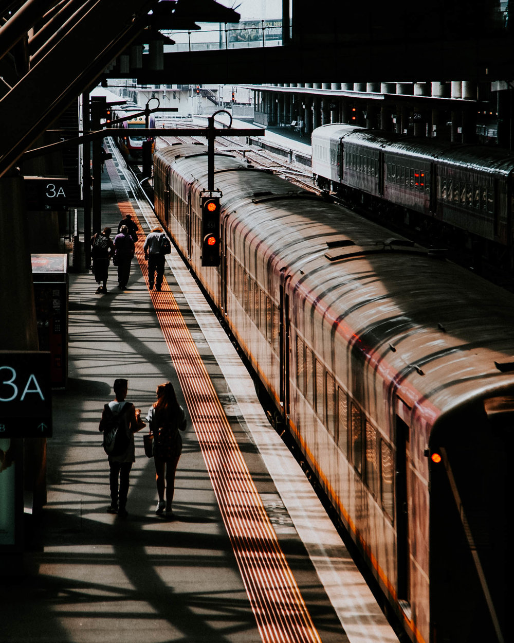 melbourne-trains-benjamin-andrew.jpg