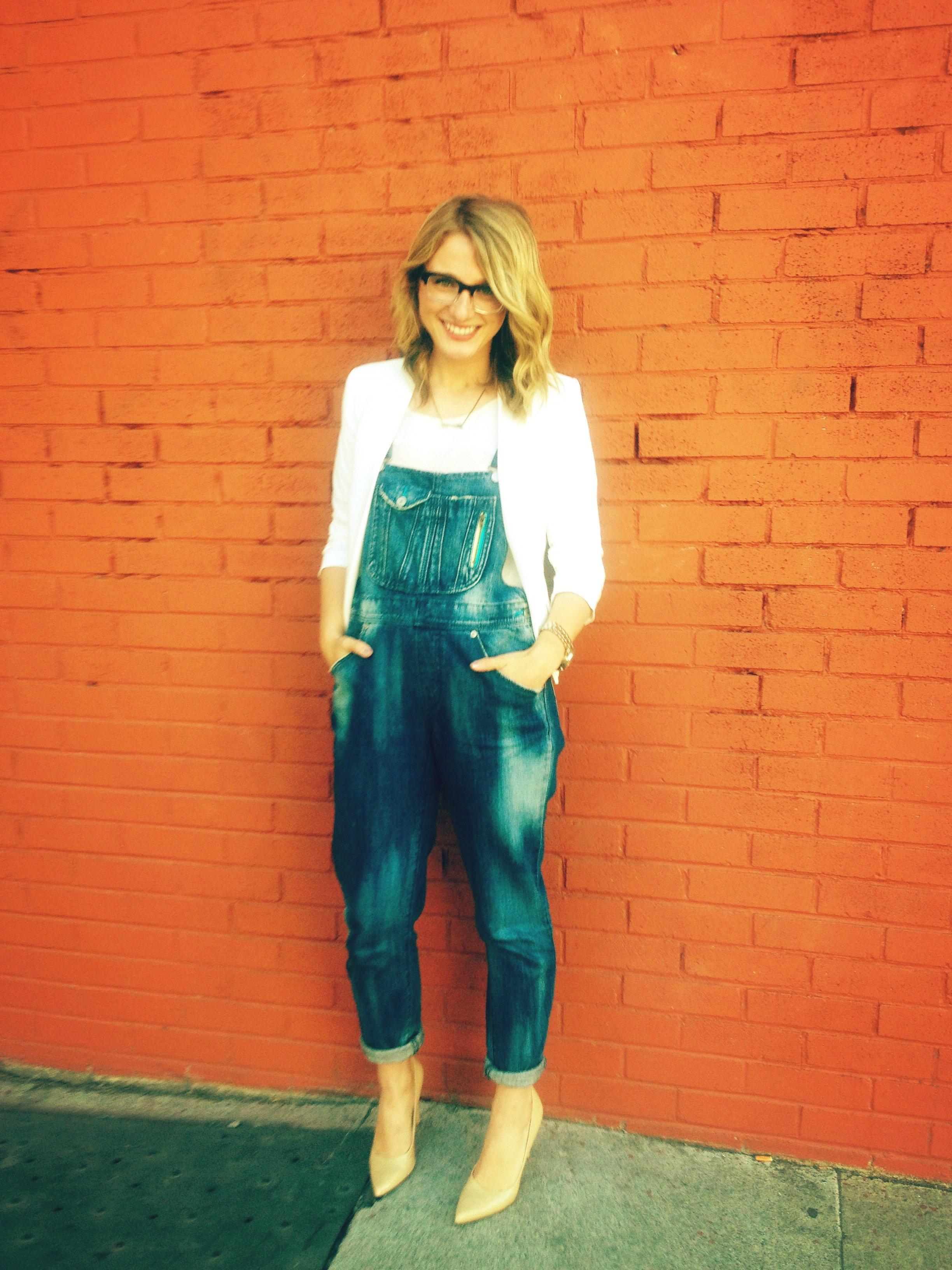 Blazer: F21 | Blouse: F21 | Overalls: Wasteland | Heels: Nine West | Rings: F21