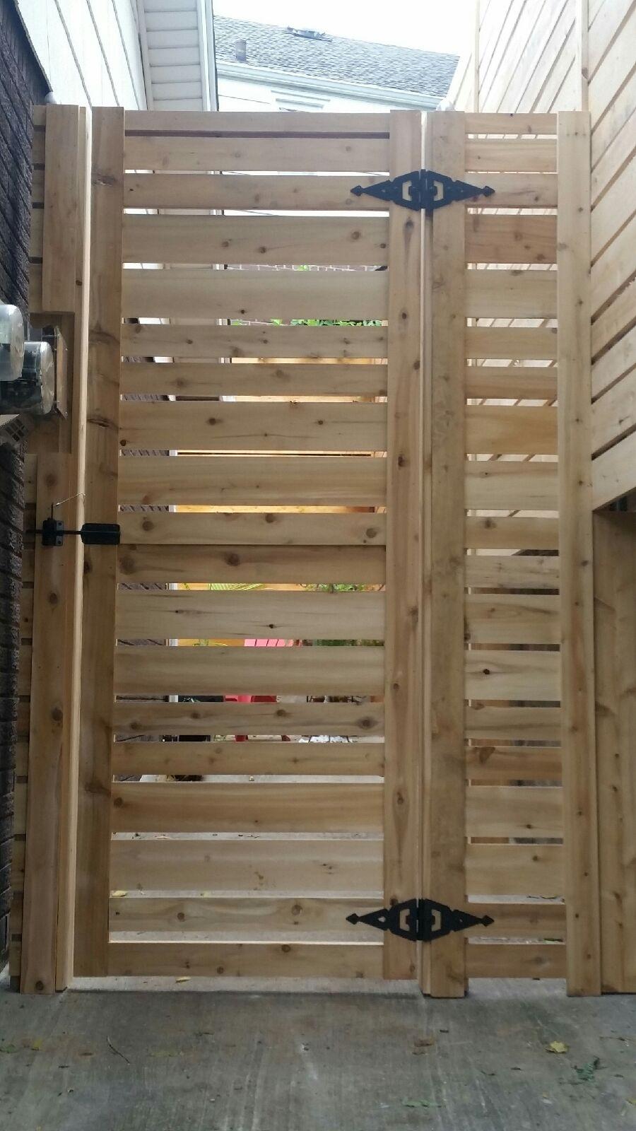 horizontal wood fence 2.jpg