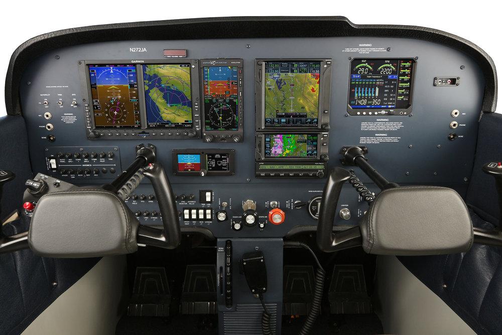 Cessna Skyhawk Instrument Panel