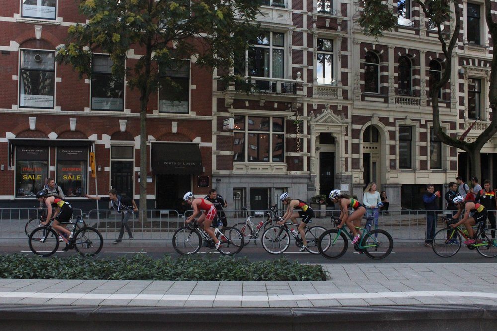 The U23 Women racing through the streets of Rotterdam at the 2017 ITU Grand Final in the Netherlands.