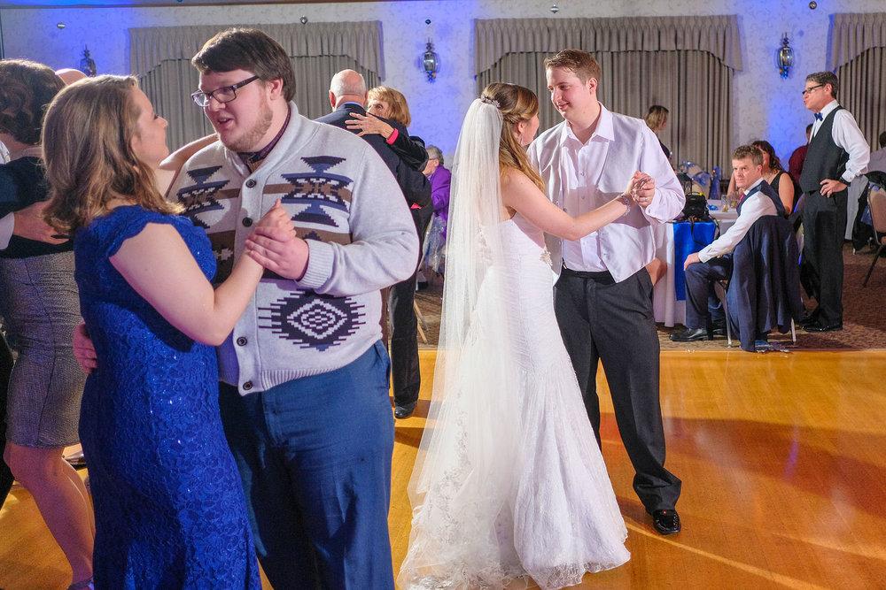 harris-pelham-inn-wedding-photography-1010.jpg