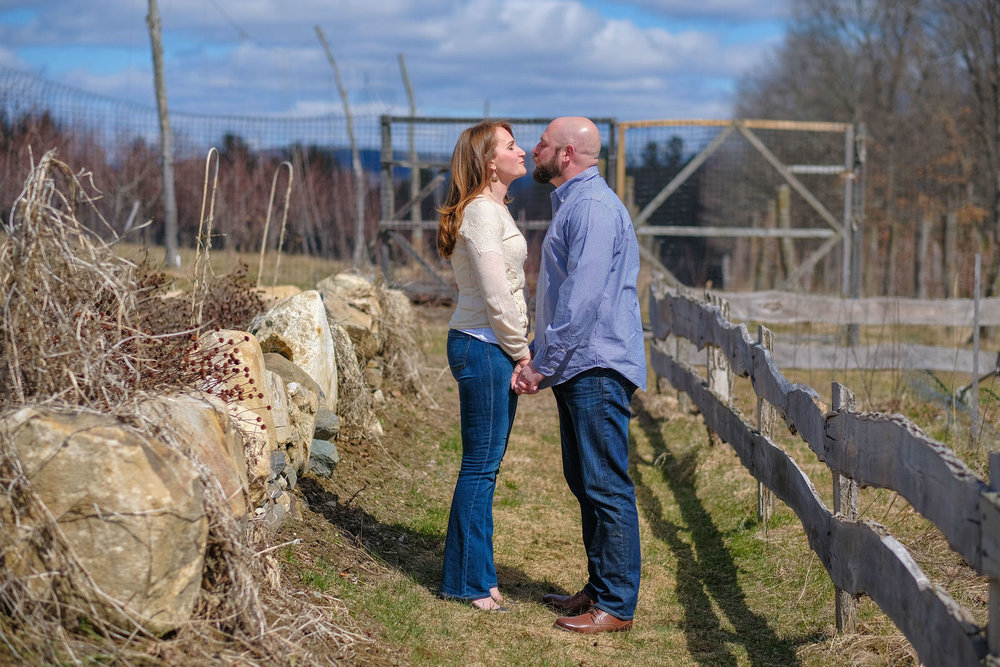 valley-view-farm-engagement-photography-73.jpg