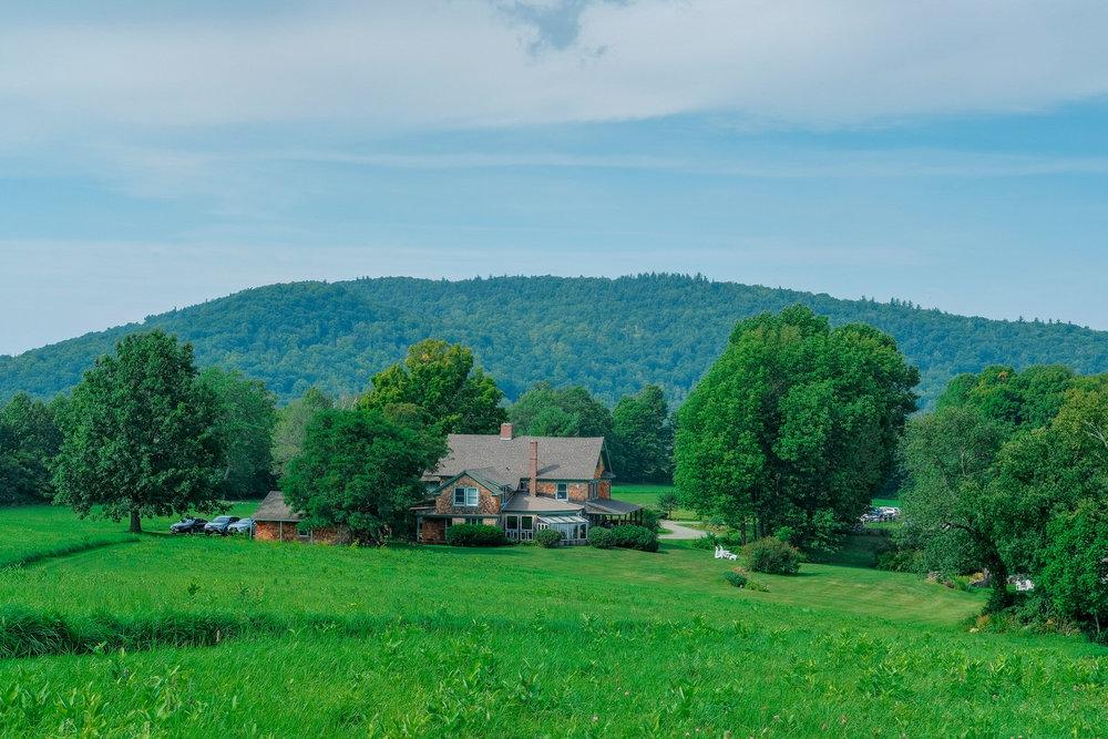 Toad-Hill-Farm-Candid-wedding-photography-128.jpg