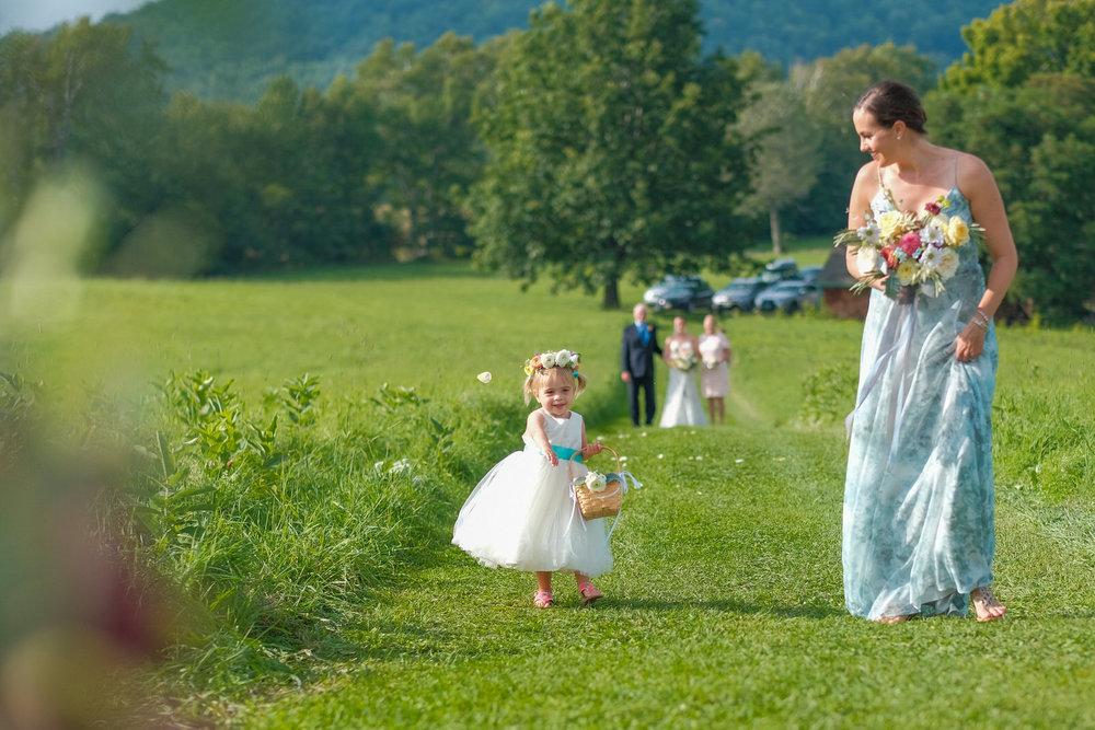 Toad-Hill-Farm-Candid-wedding-photography-334.jpg