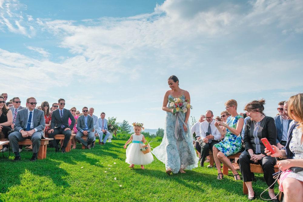 Toad-Hill-Farm-Candid-wedding-photography-340.jpg