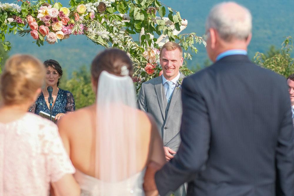 Toad-Hill-Farm-Candid-wedding-photography-366.jpg