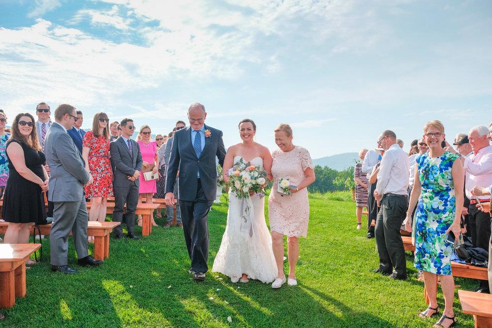 Toad-Hill-Farm-Candid-wedding-photography-362.jpg