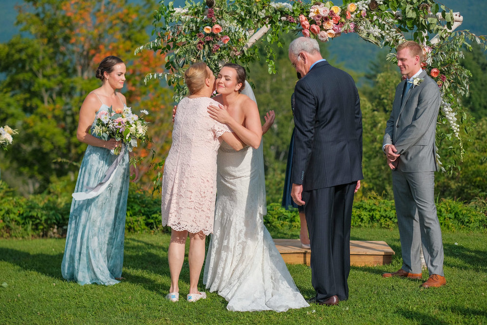 Toad-Hill-Farm-Candid-wedding-photography-367.jpg