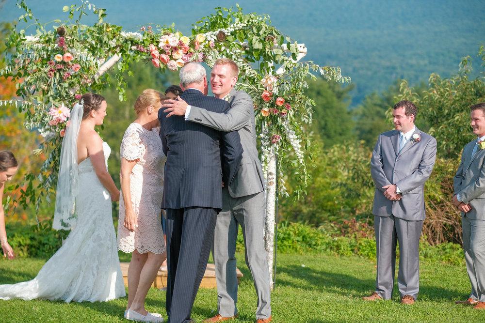 Toad-Hill-Farm-Candid-wedding-photography-372.jpg