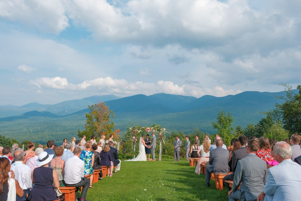 Toad-Hill-Farm-Candid-wedding-photography-389.jpg